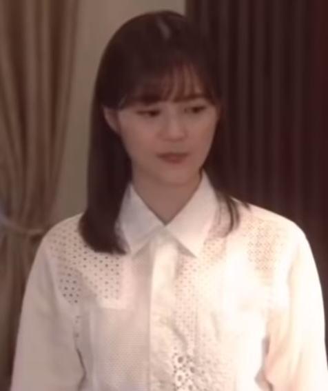 生田絵梨花の衣装画像2