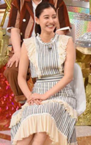 新木優子の衣装画像2