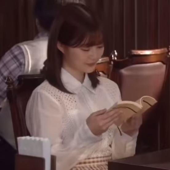 生田絵梨花の衣装画像1